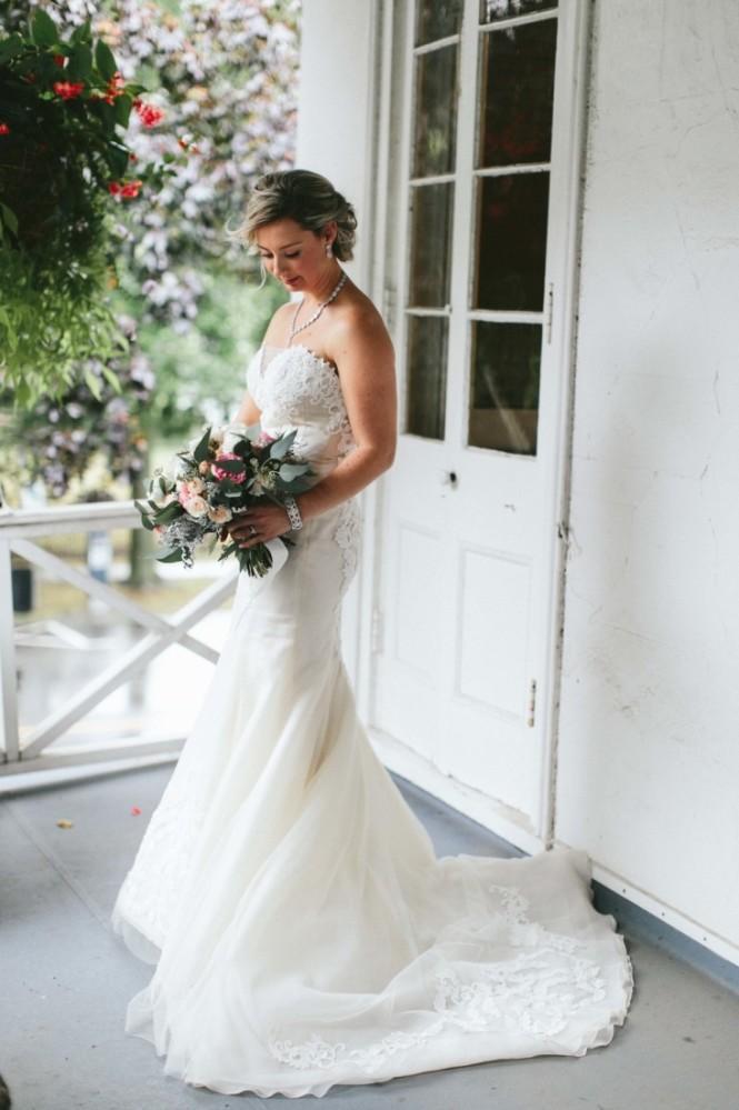 Lush Florals, Niagara wedding florist, pillar and post wedding, notl wedding