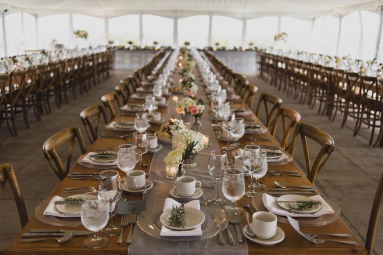 Ravine Vineyards Wedding, Lush Florals, Niagara on the lake wedding